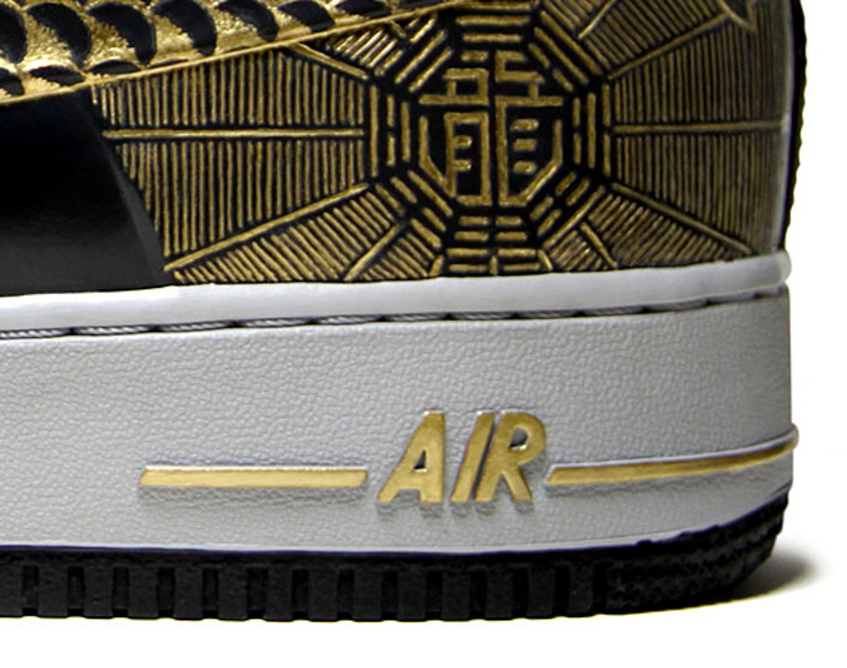 nike-air-force-1-30th-anniversary-year-of-dragon-gold-bespoke-zhijun-wang-11