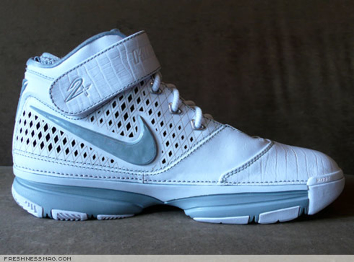 Nike  Zoom Kobe II (2)  - US + Asia Pacific Editions - 10