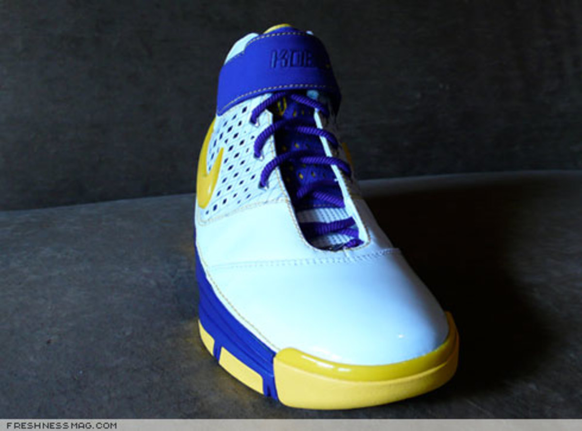 Nike  Zoom Kobe II (2)  - US + Asia Pacific Editions - 7