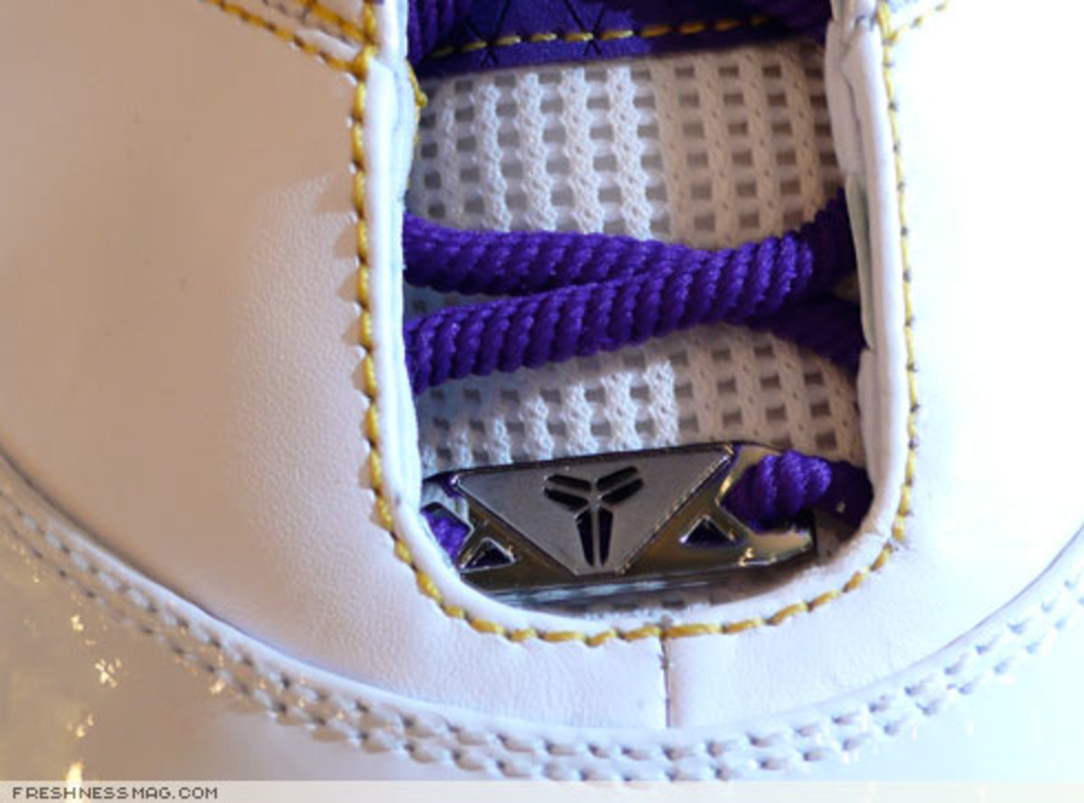 Nike  Zoom Kobe II (2)  - US + Asia Pacific Editions - 8