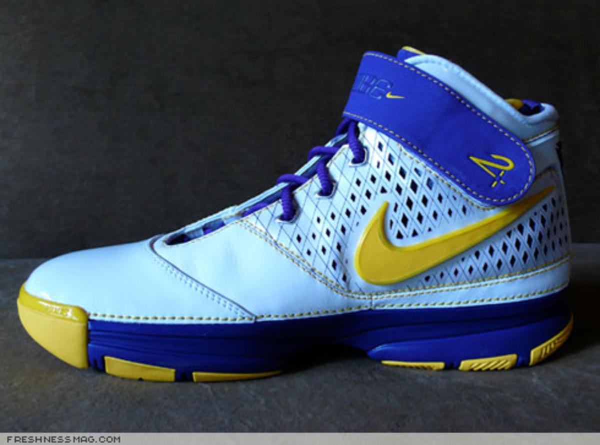 Nike  Zoom Kobe II (2)  - US + Asia Pacific Editions - 5