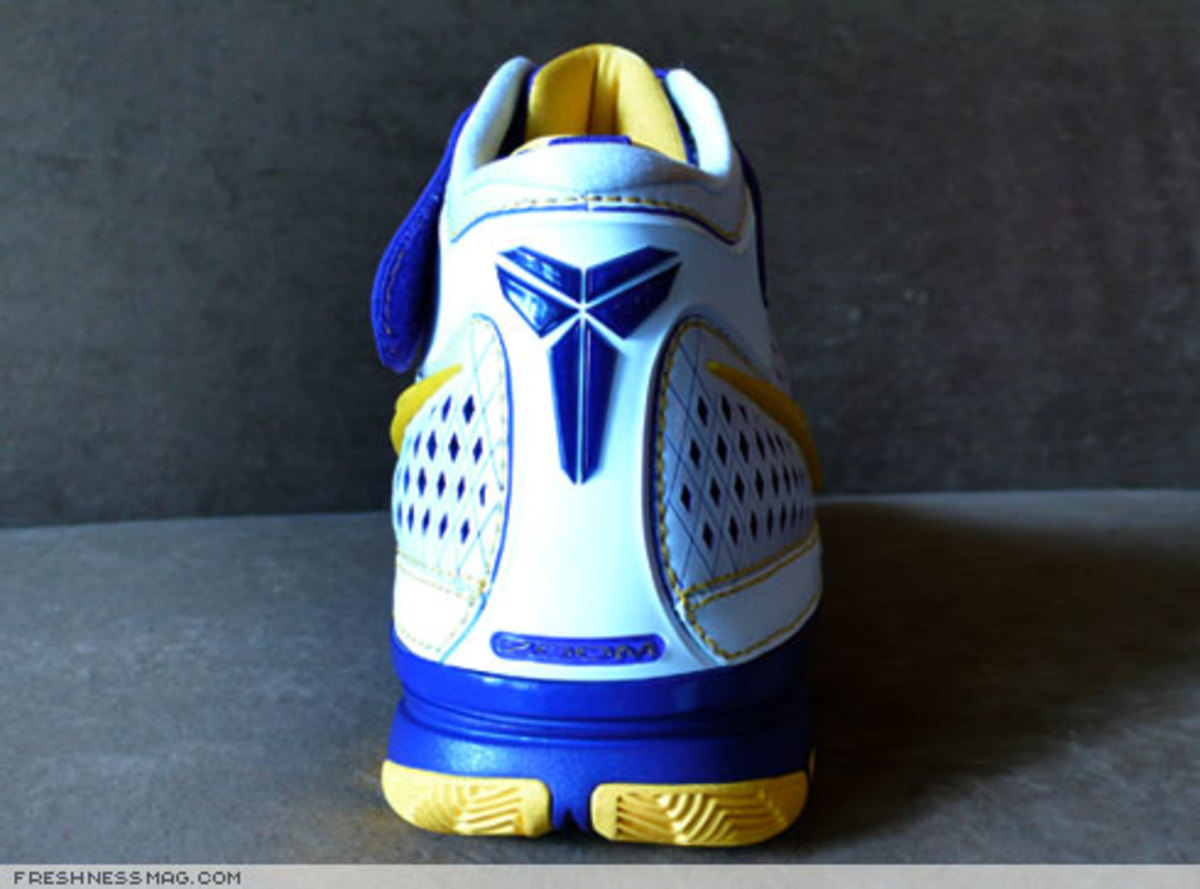 Nike  Zoom Kobe II (2)  - US + Asia Pacific Editions - 6