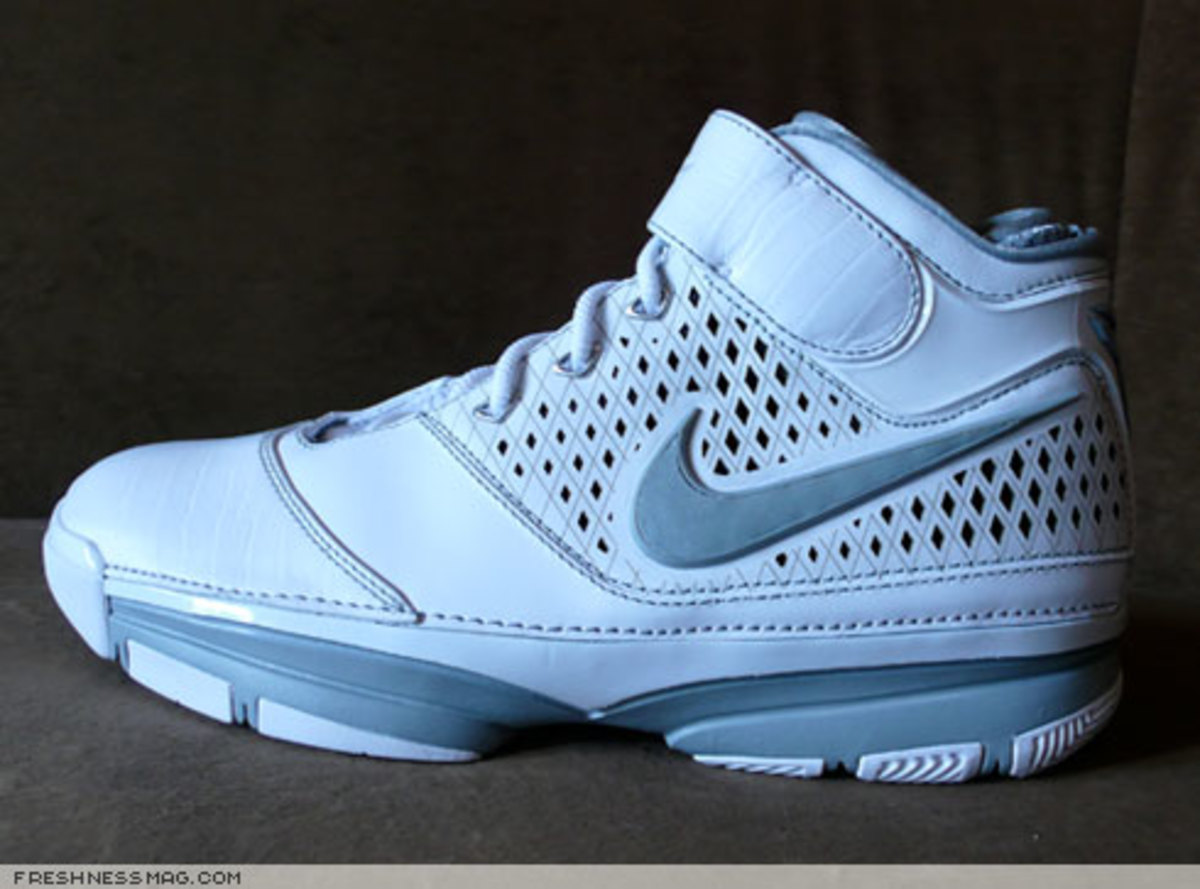 Nike  Zoom Kobe II (2)  - US + Asia Pacific Editions - 13