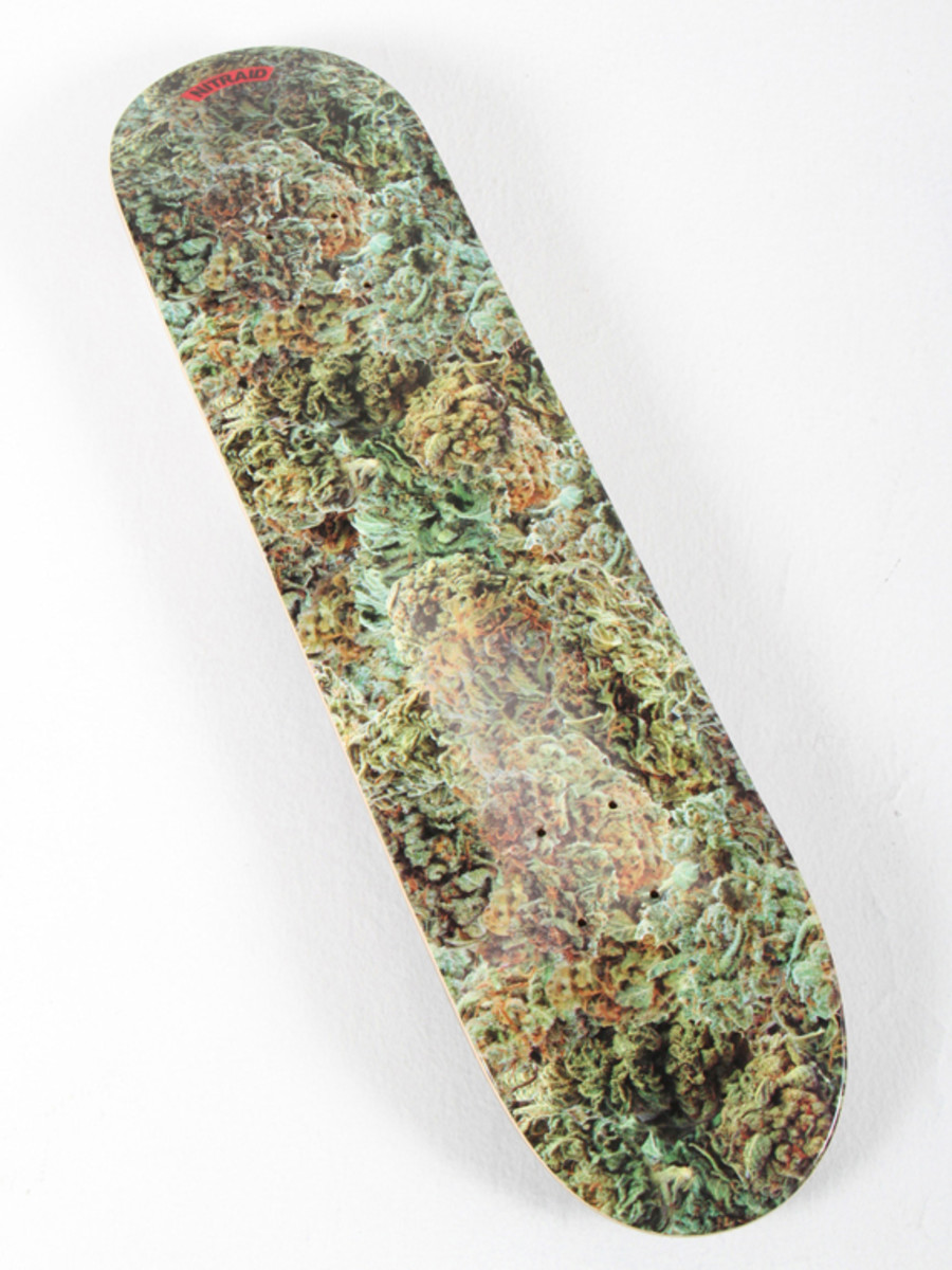 nitraid-dope-forest-skateboard-deck-02