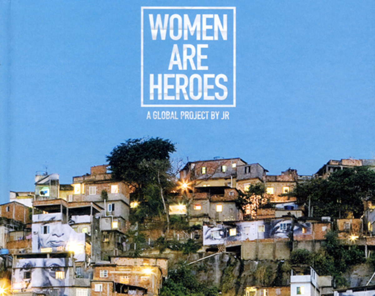 jr-women-are-heroes-a-global-project-book-00