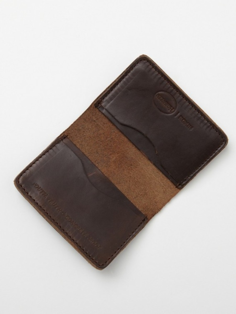 nixon-horween-leather-number-five-card-case-03