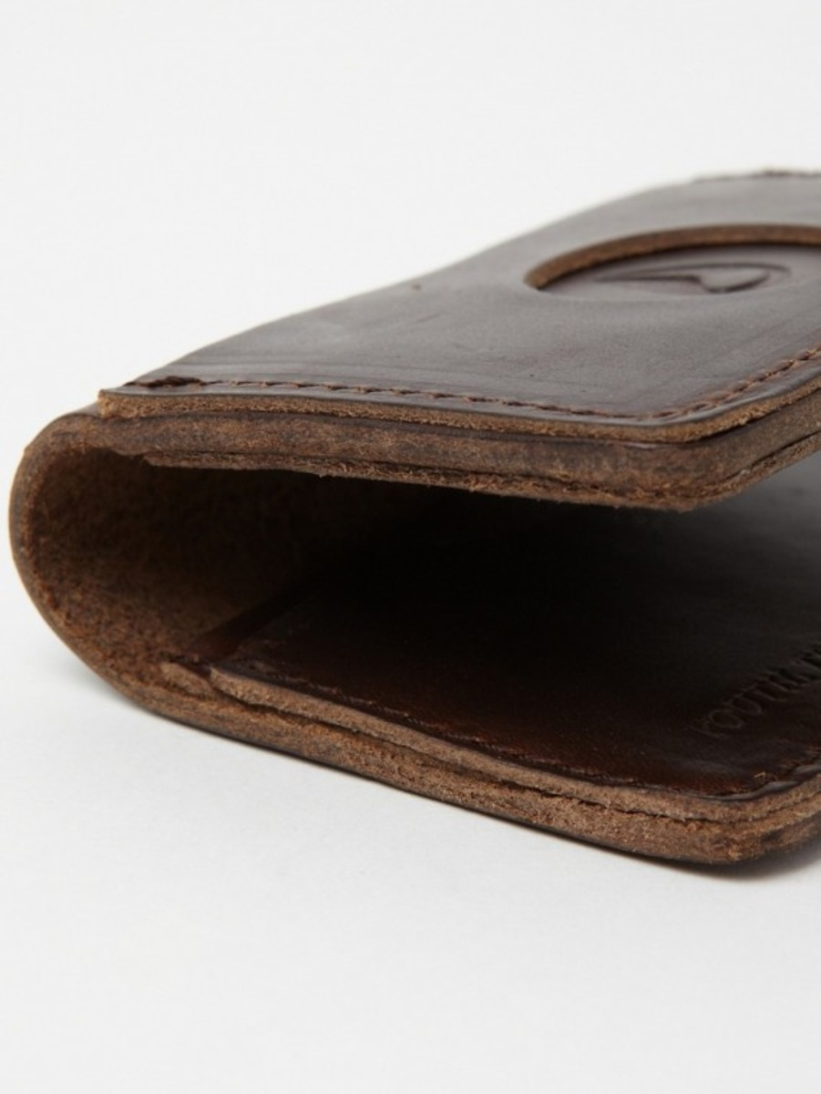 nixon-horween-leather-number-five-card-case-04