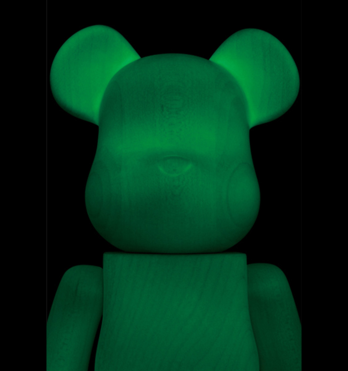 karimoku-medicom-toy-glow-in-the-dark-bearbrick-02