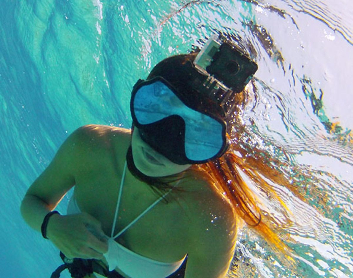 gopro-hd-dive-housing-00