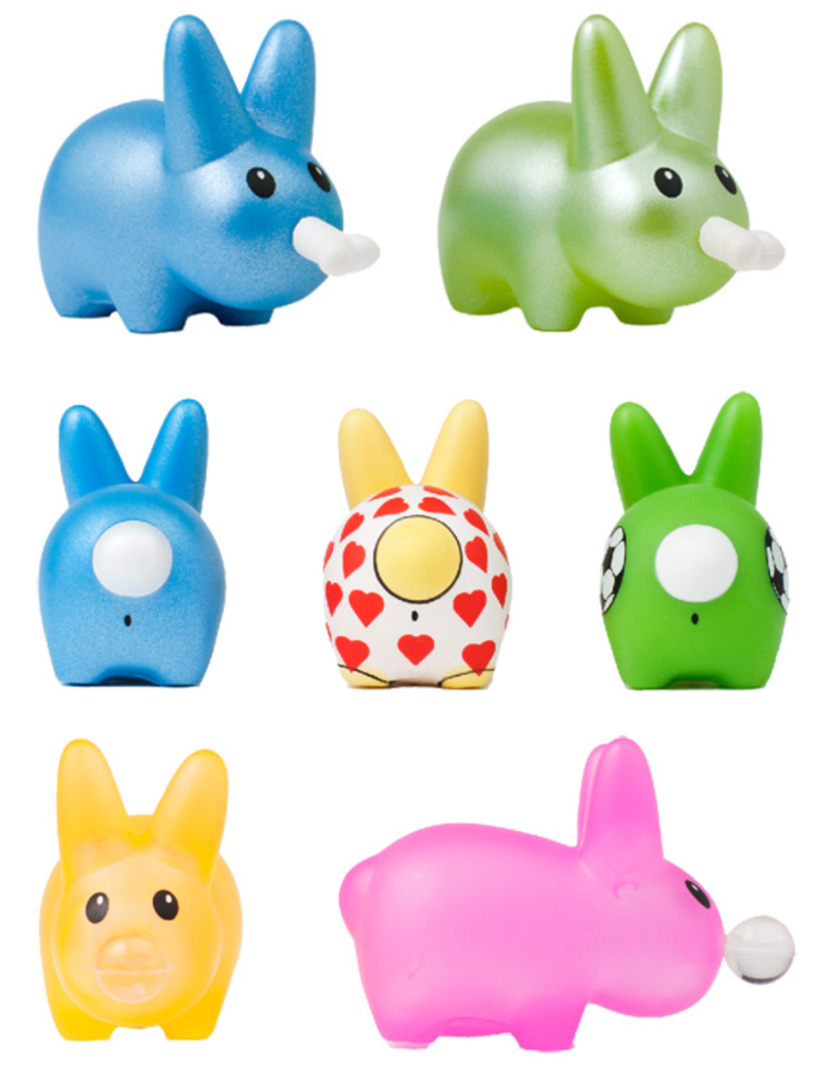 frank-kozik-kidrobot-happy-labbit-pack-03