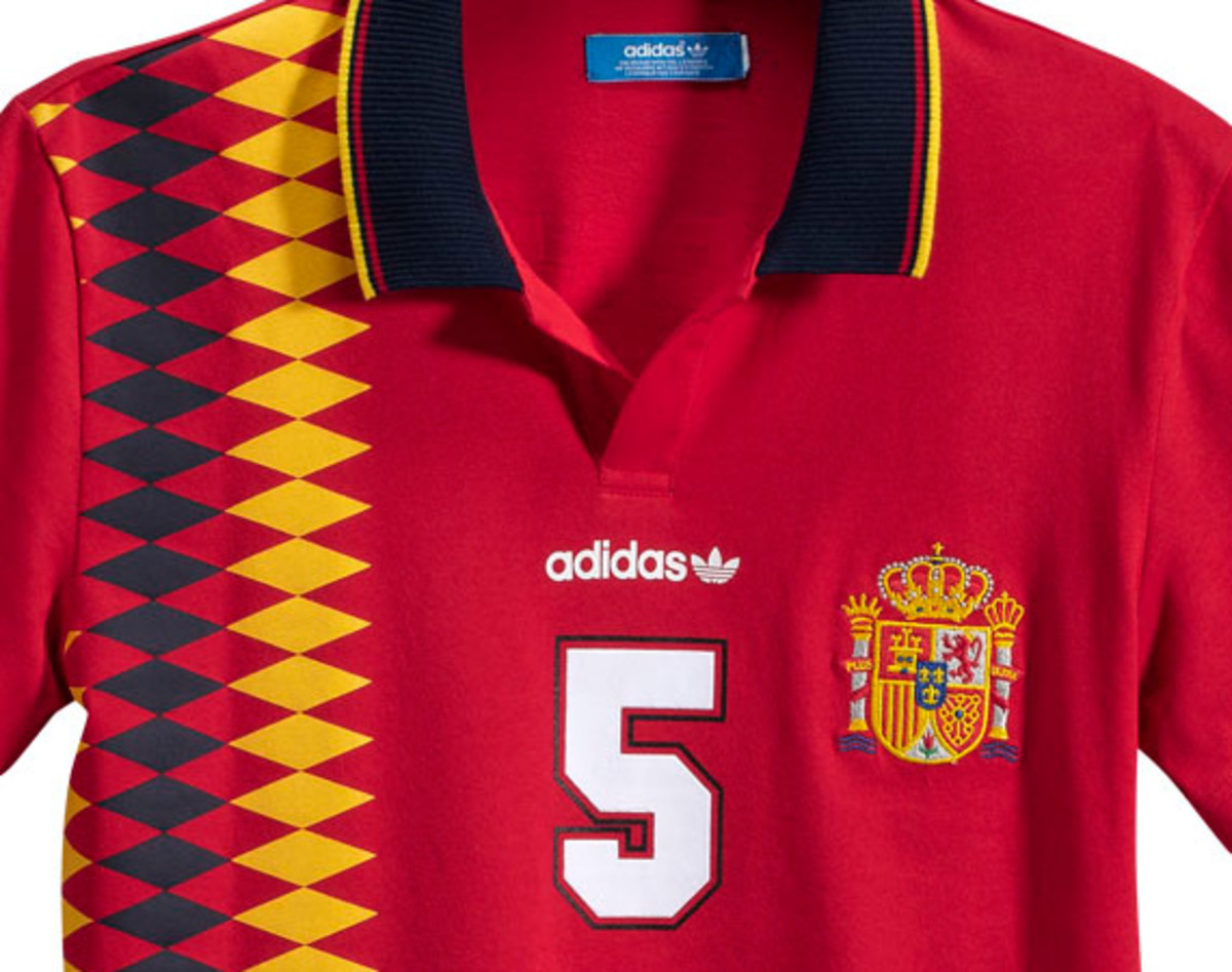 adidas-originals-euro-cup-2012-inspired-fan-gear-12