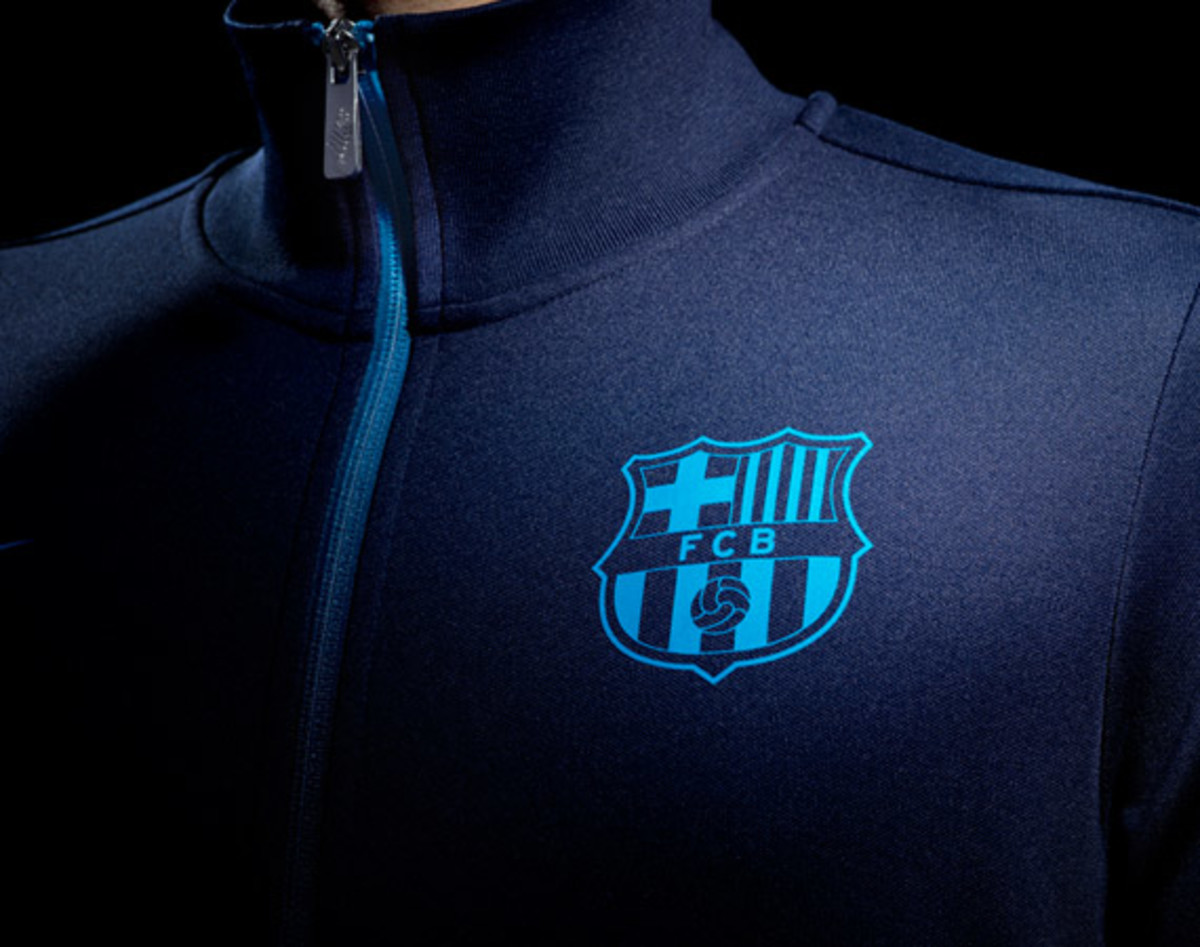 nike-football-fc-barcelona-home-away-kit-2012-2013-19