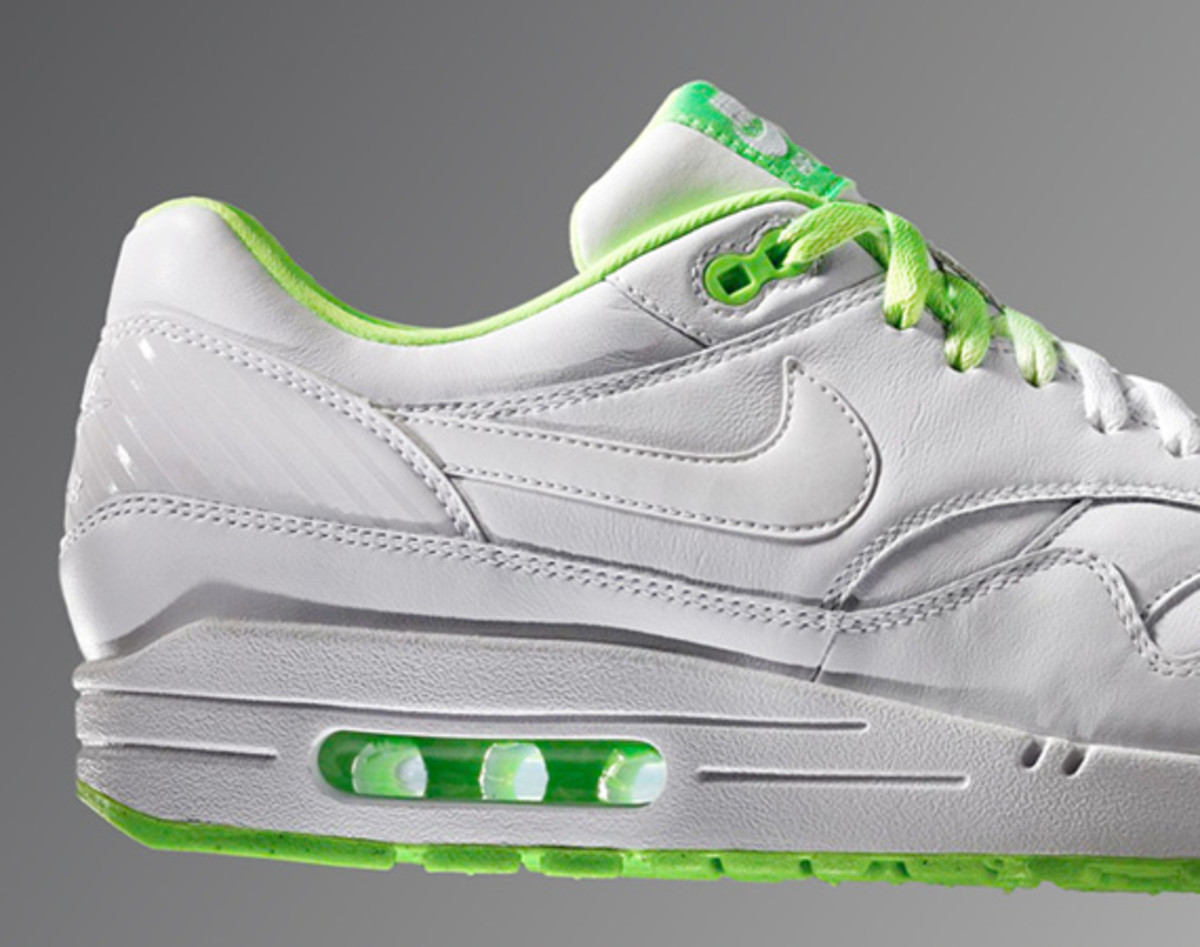 nike-air-max-90-summer-football-collection-02