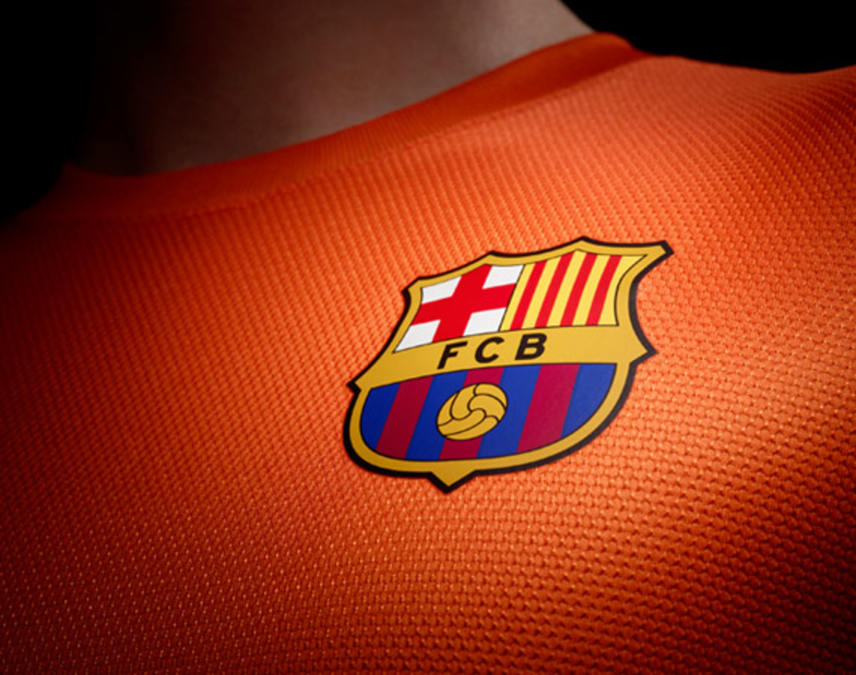 nike-football-fc-barcelona-home-away-kit-2012-2013-14