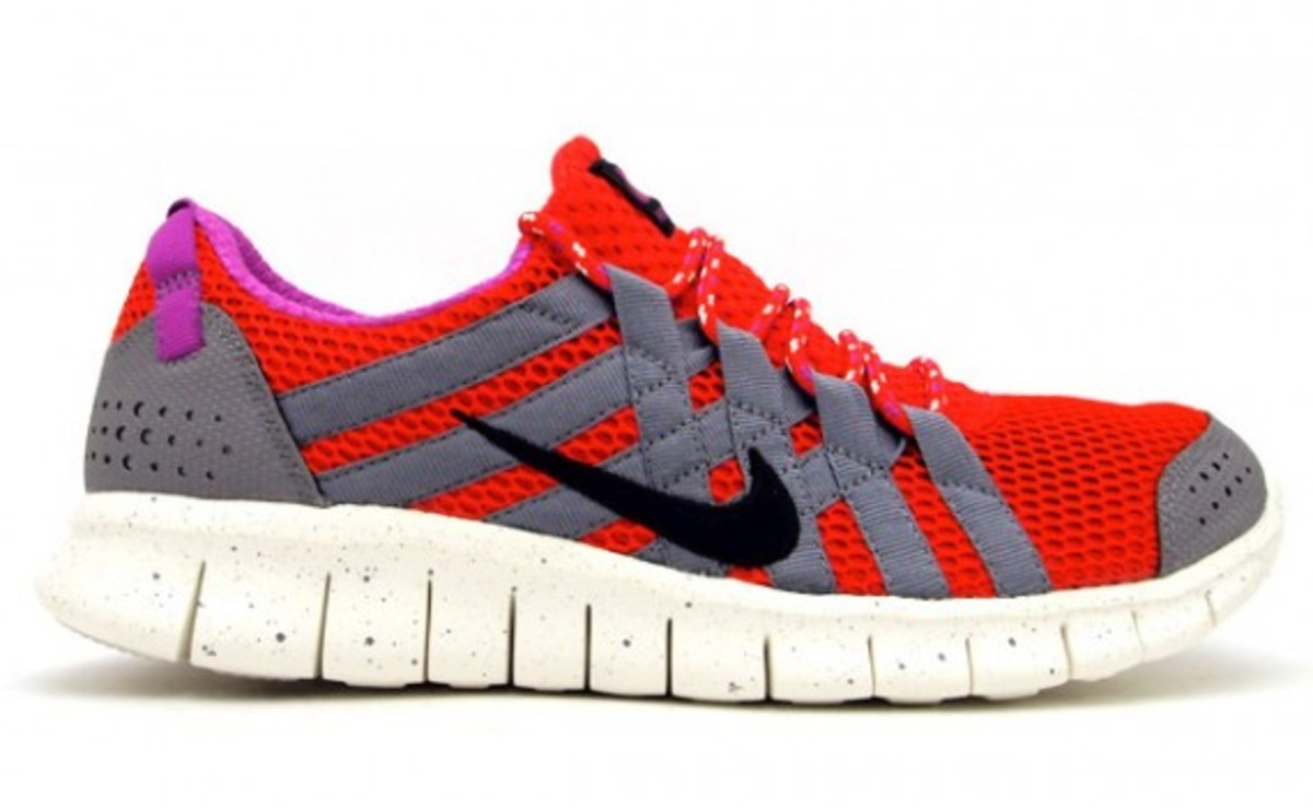 Women / Nike Free Powerlines 2 / Nike Free Trainers / Nike Free