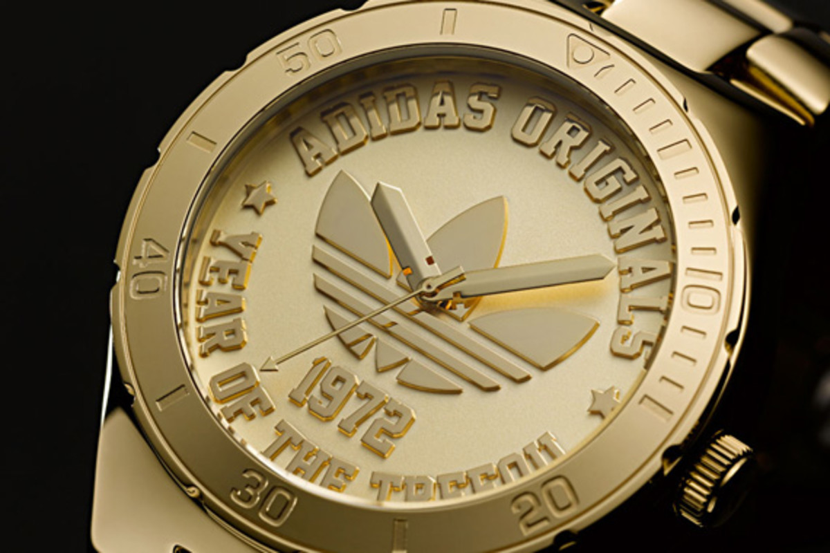 adidas-originals-trefoil-watch-40th-anniversary-06