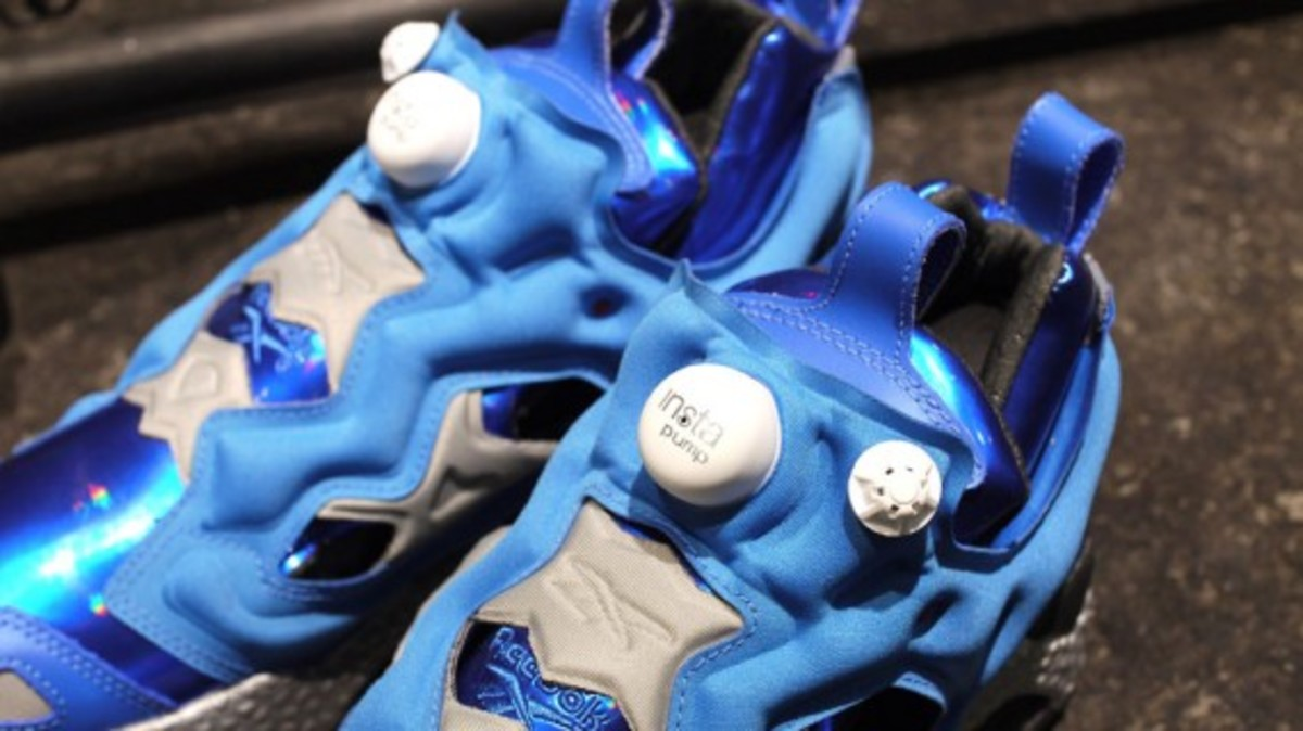 ghost-in-the-shell-stand-alone-complex-x-reebok-insta-pump-fury-tachikoma-available-now-3