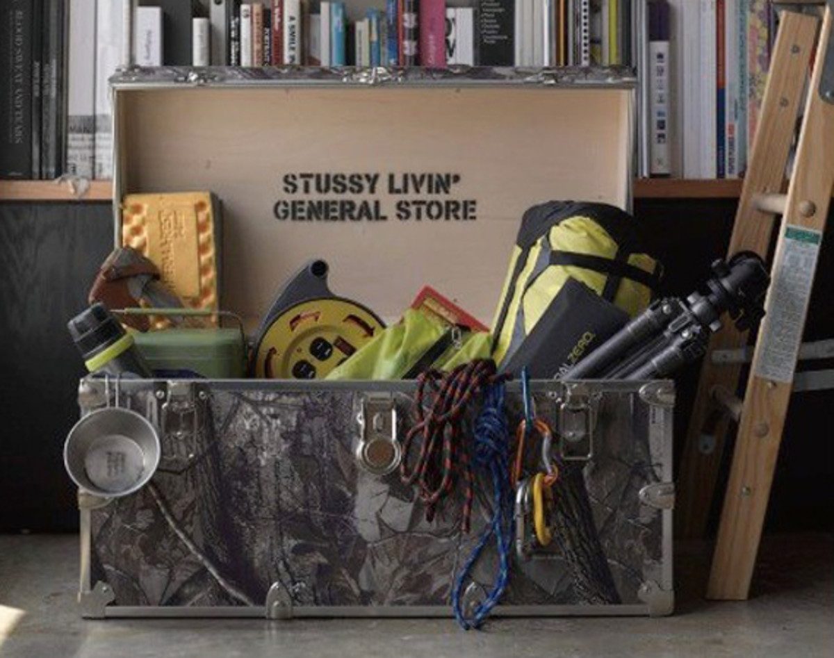 stussy-livin-general-store-go-out-rhino-trunk-realtree-armor-trunk-00