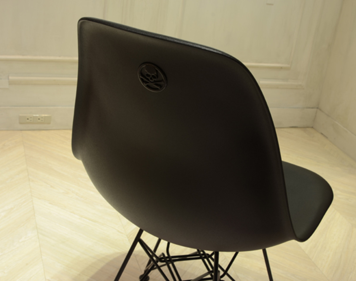 mastermind-japan-herman-miller-eames-shell-side-chair-dsr-01