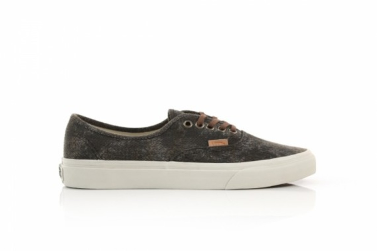 vans-california-authentic-stained-03