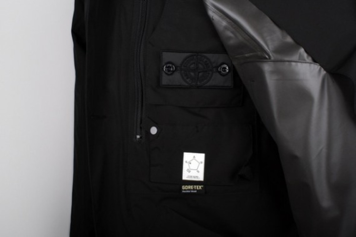 stone-island-shadow-project-spring-summer-2012-collection-07