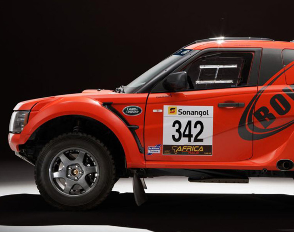 bowler-land-rover-exr-off-road-rally-car-14