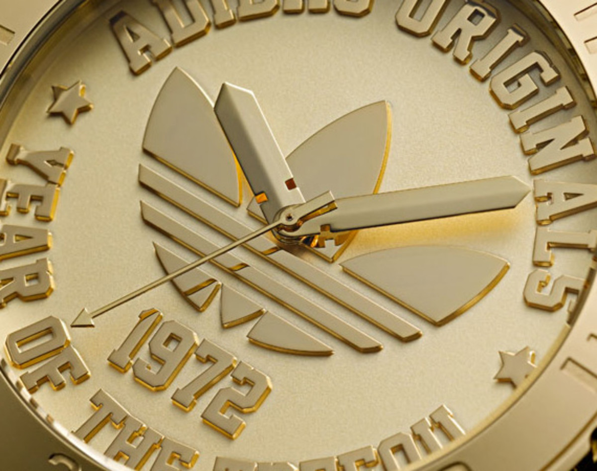 adidas-originals-trefoil-watch-40th-anniversary-05