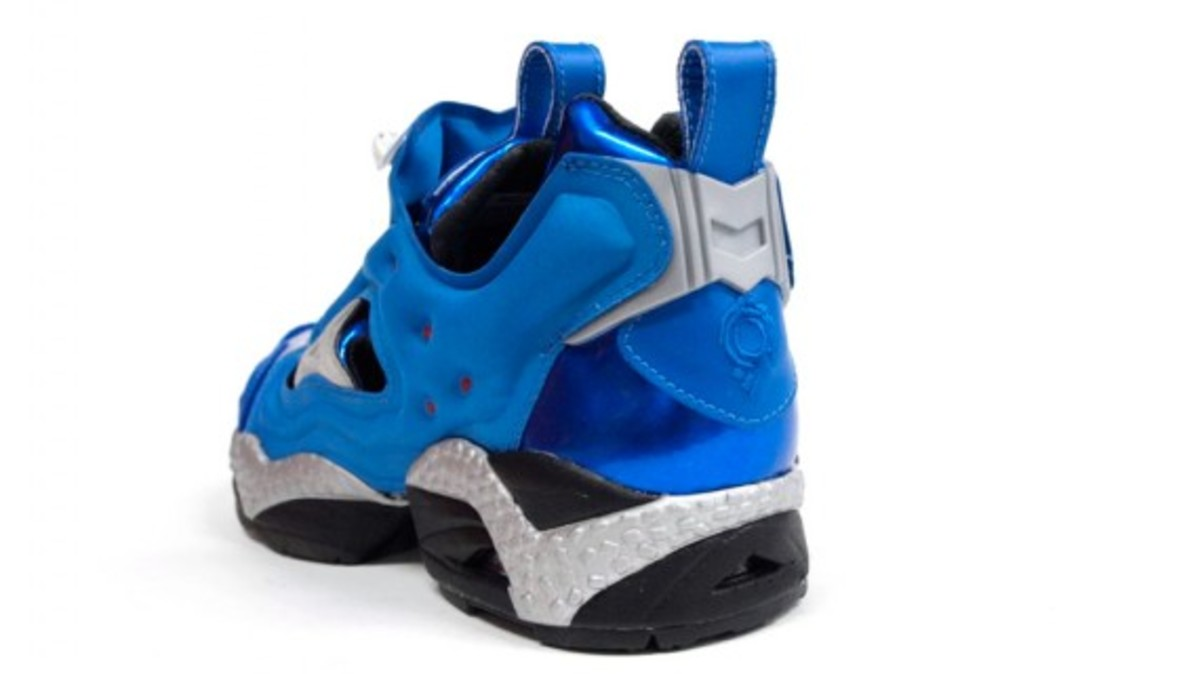 ghost-in-the-shell-stand-alone-complex-x-reebok-insta-pump-fury-tachikoma-available-now-9