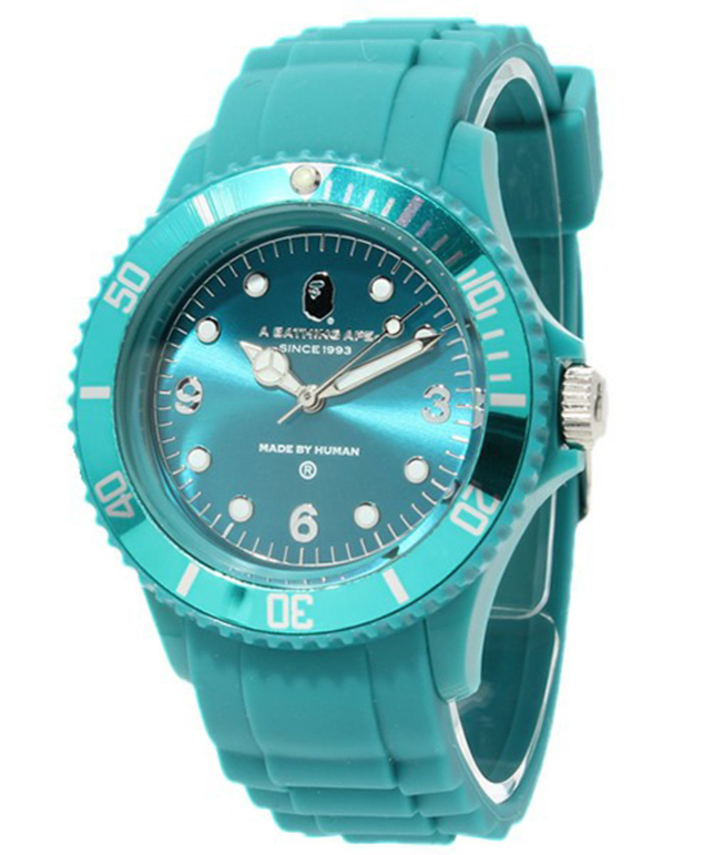 a-bathing-ape-rubber-bapex-clear-01