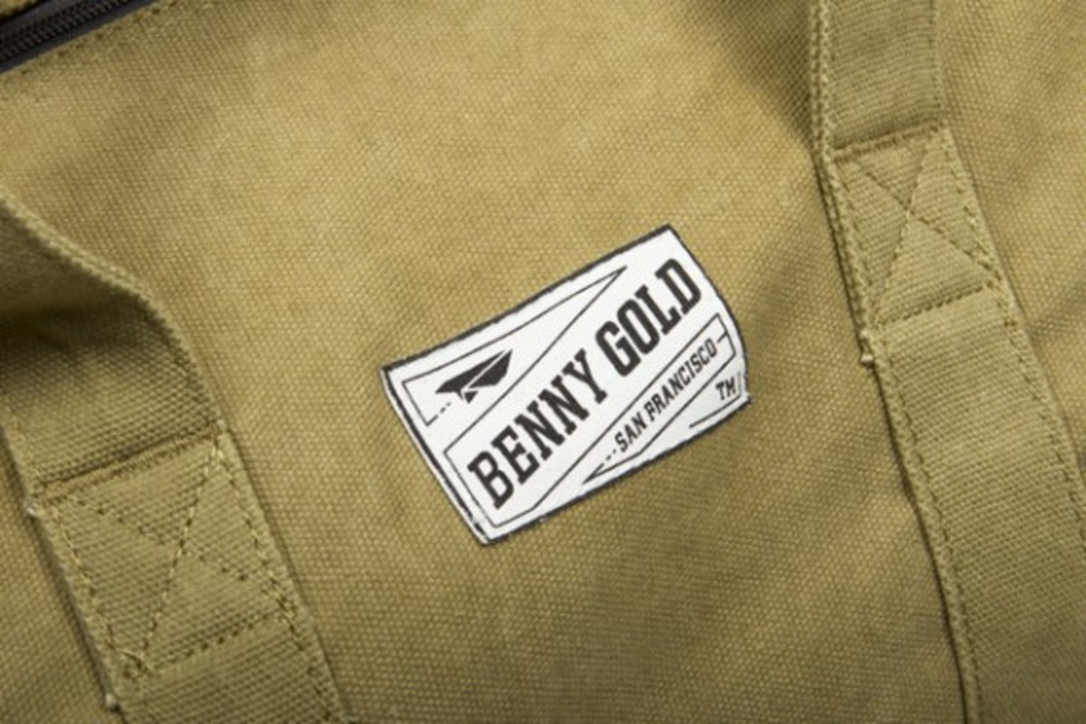 benny-gold-rugged-canvas-duffle-bag-03