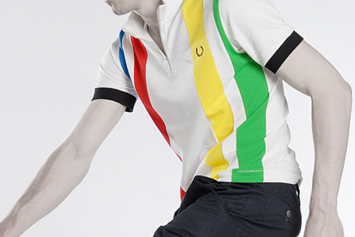 fred-perry-laurel-wreath-blank-canvas-cycling-09