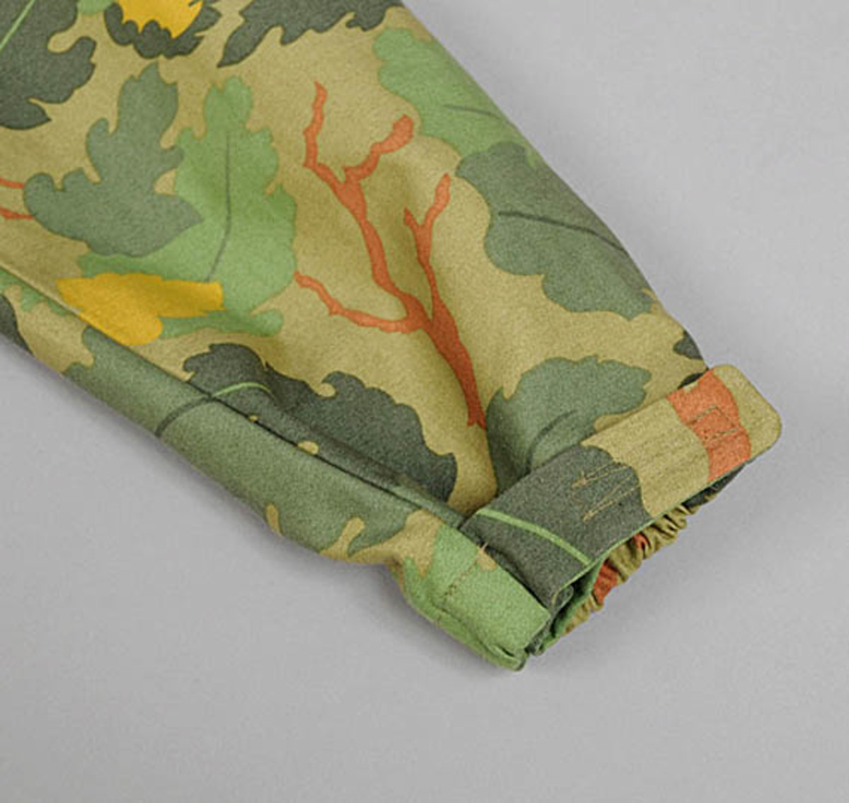 the-hill-side-owner-operator-leaf-camo-chino-pack-anorak-14
