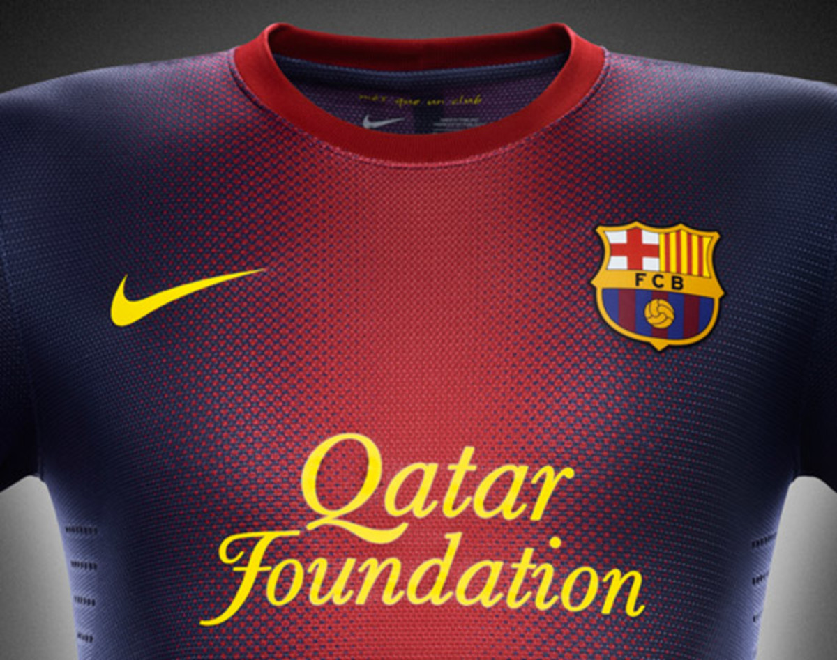 nike-football-fc-barcelona-home-away-kit-2012-2013-04