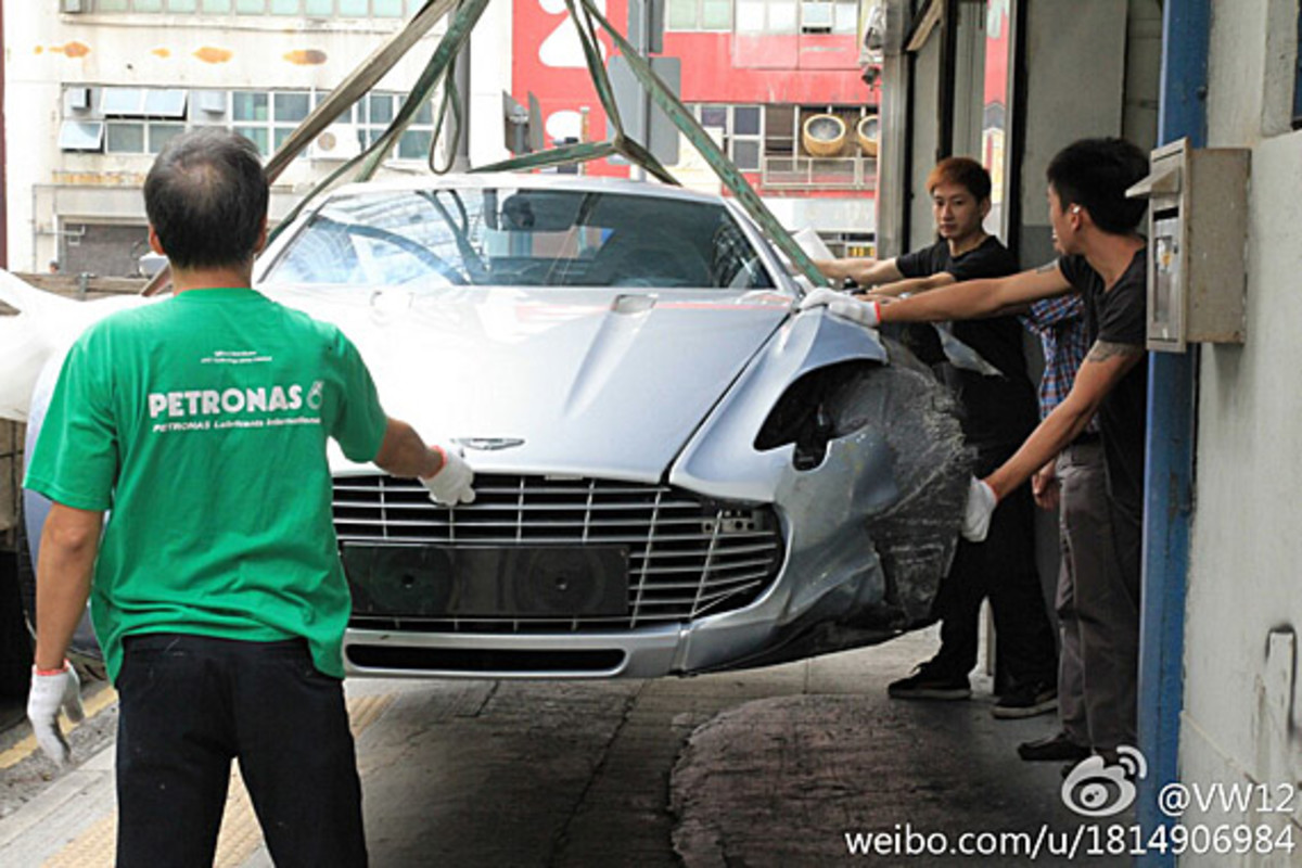 aston-martin-one-77-crashed-hong-kong-08