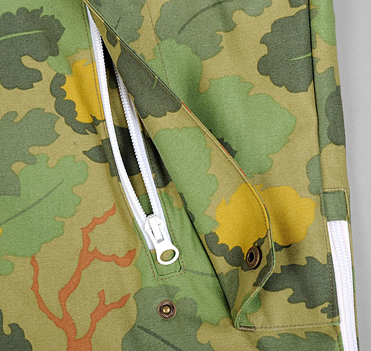 the-hill-side-owner-operator-leaf-camo-chino-pack-anorak-09