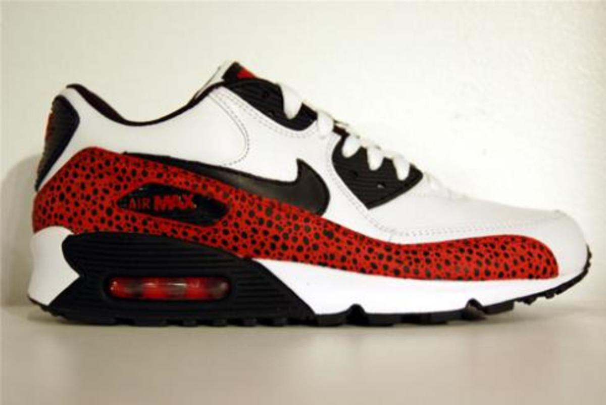 am90whitered.jpg