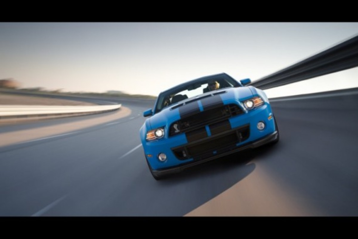 26. 2013 Ford Mustang Shelby GT500