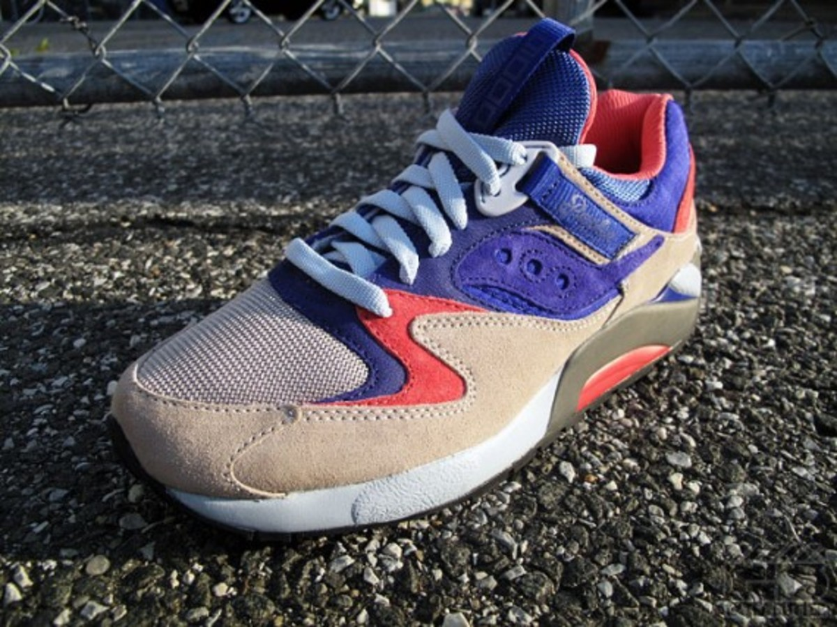 packer-shoes-saucony-grid-9000-tech-pack-08