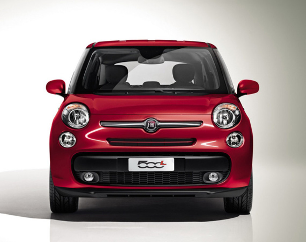 fiat-500l-officially-unveiled-35