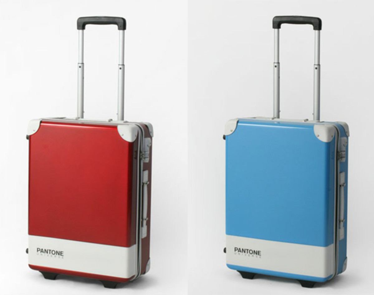 pantone-universe-carry-case-00