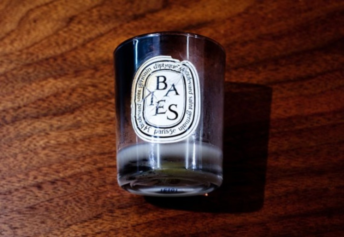 2. Diptyque Baies candle