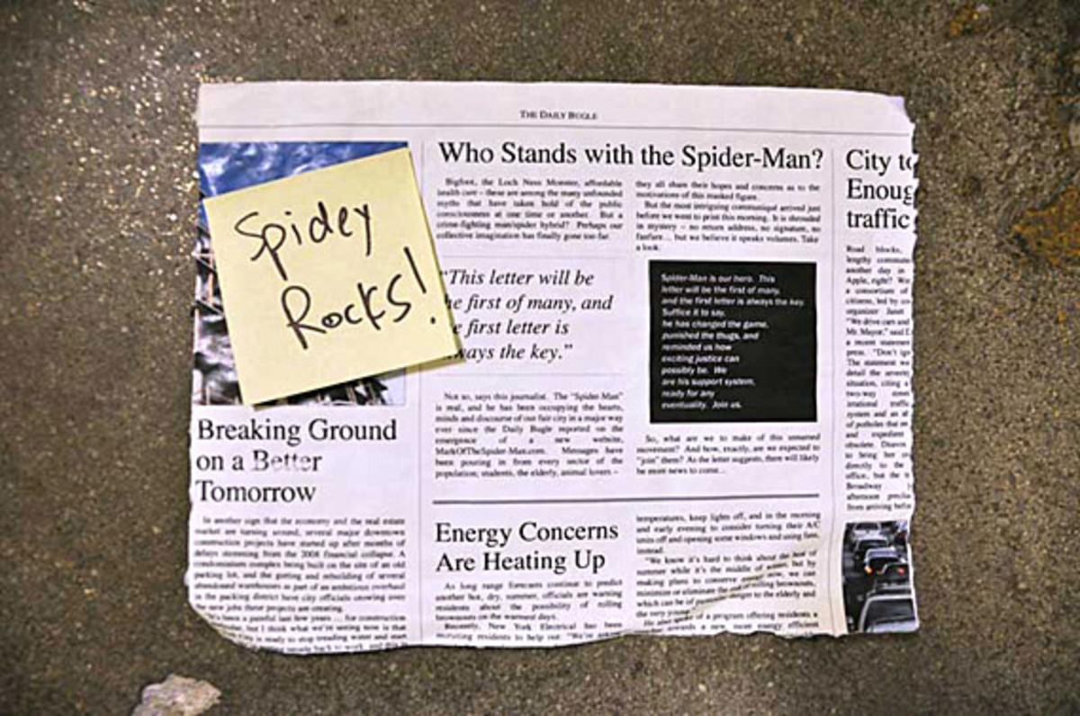 the-amazing-spider-man-peter-parkers-backpack-34