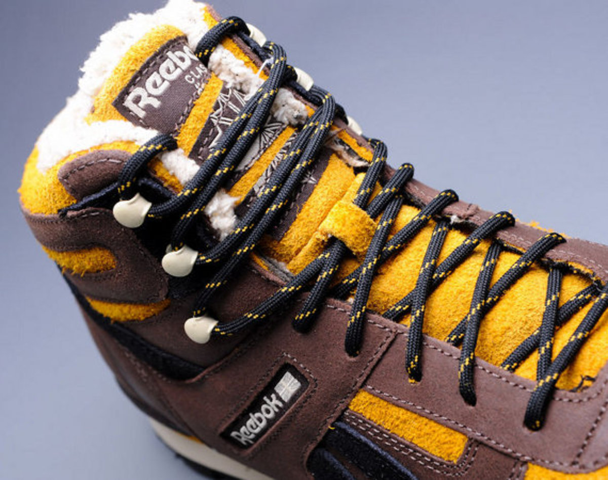 marvel-reebok-night-sky-mid-sabretooth-01
