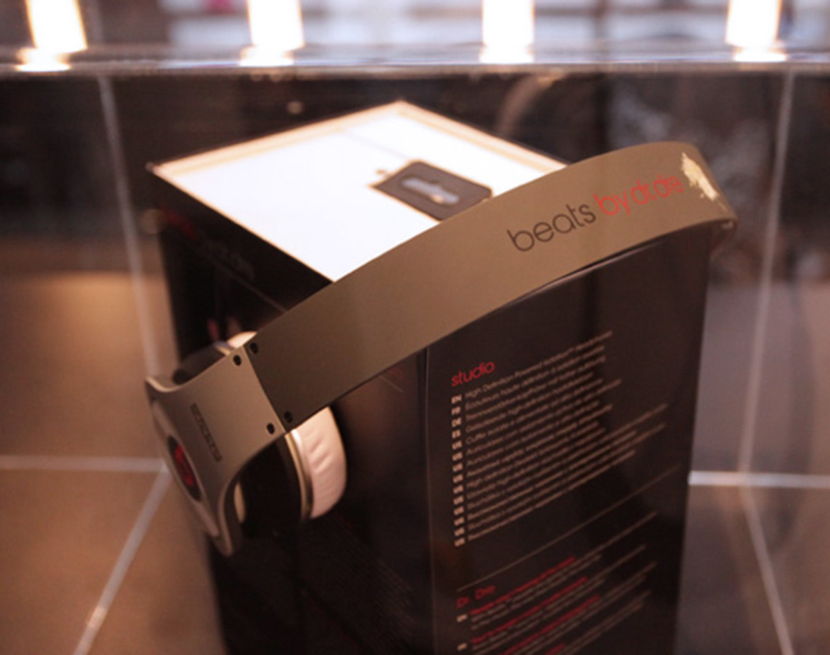 staple-design-beats-by-dre-studio-headphone-launch-07