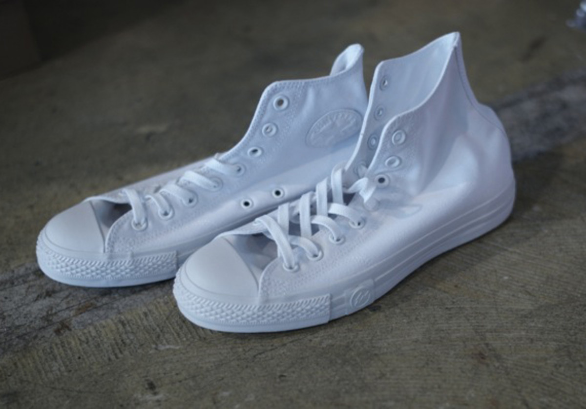 undftd-fragment-design-converse-all-star-white-out-01