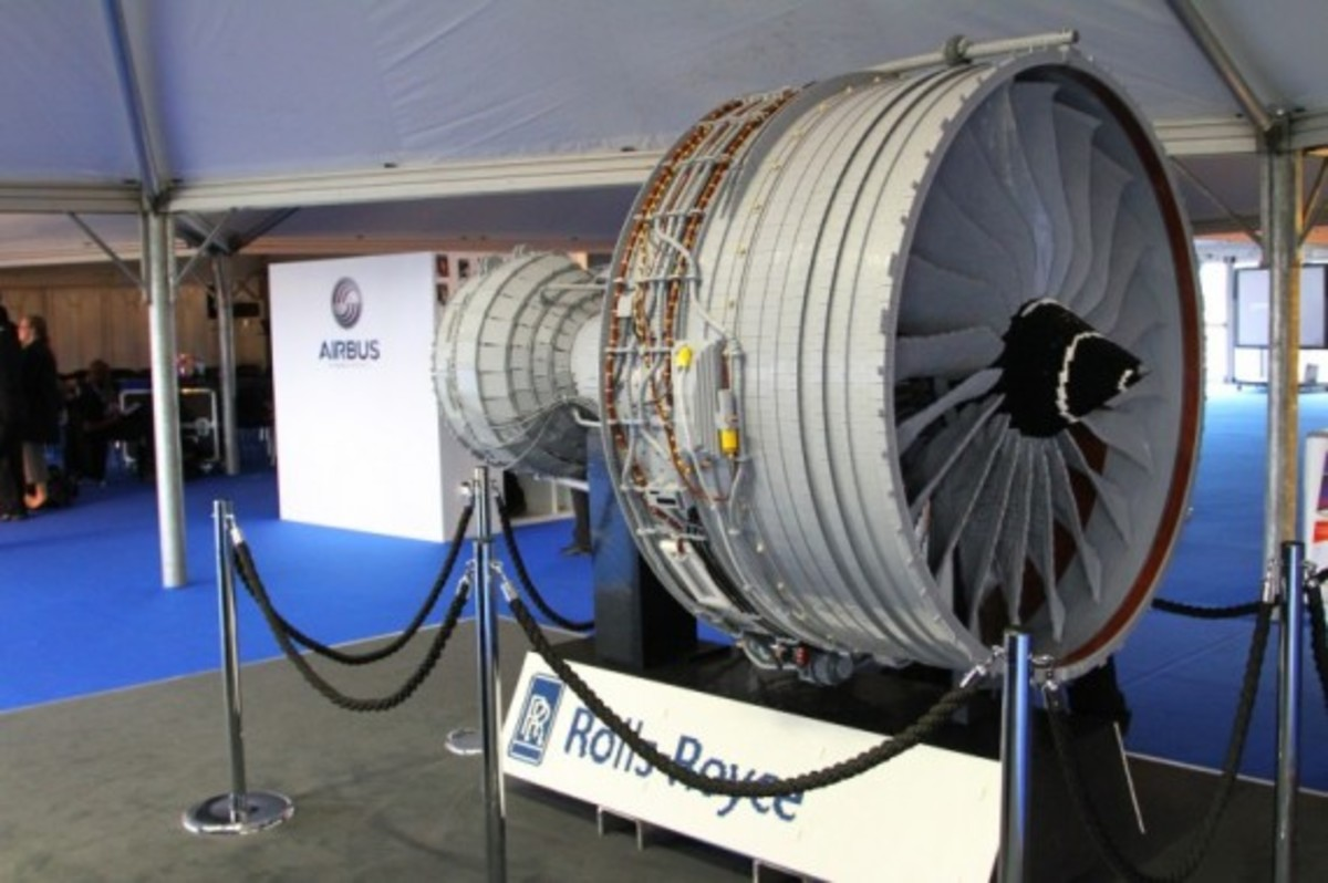 rolls-royce-lego-jet-engine-18