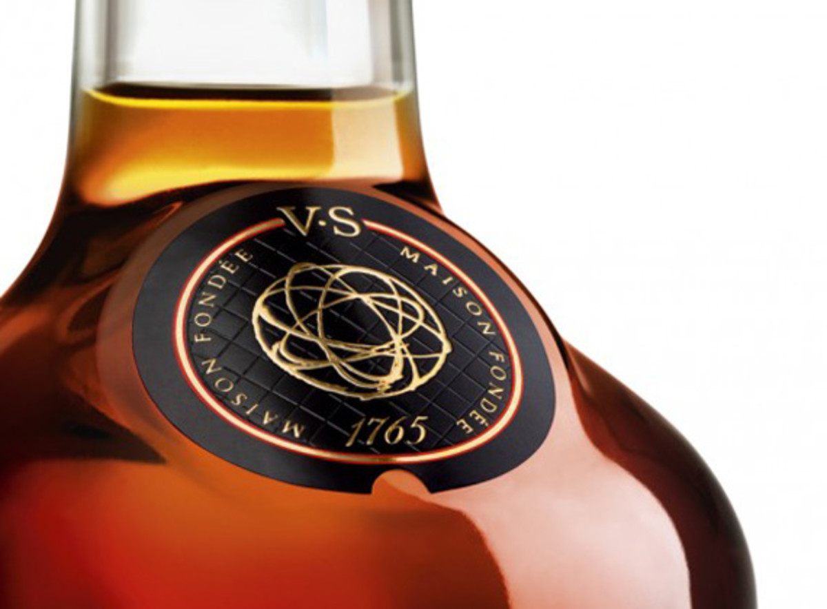 futura-hennessy-very-special-cognac-limited-edition-bottle-2012-02