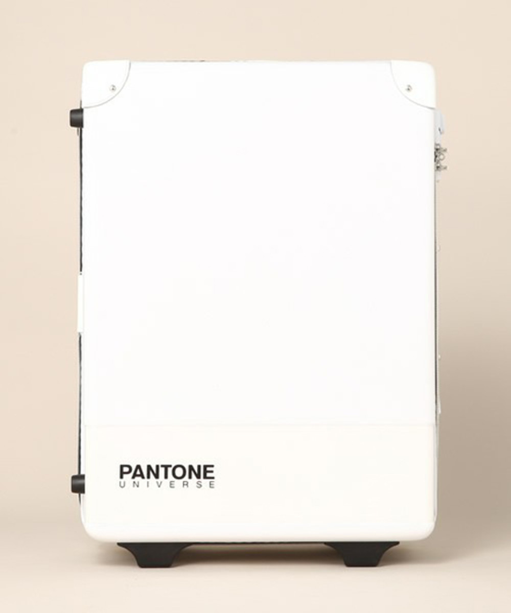pantone-universe-carry-case-01