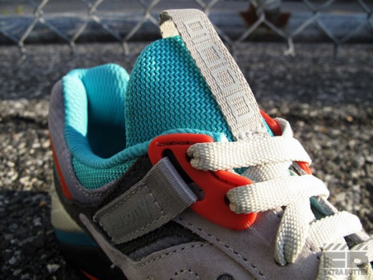 packer-shoes-saucony-grid-9000-tech-pack-12