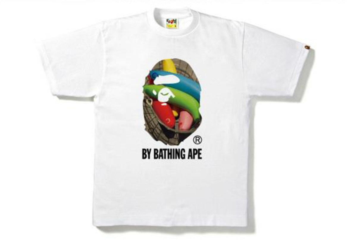 a-bathing-ape-singapore-photo-t-shirt-01